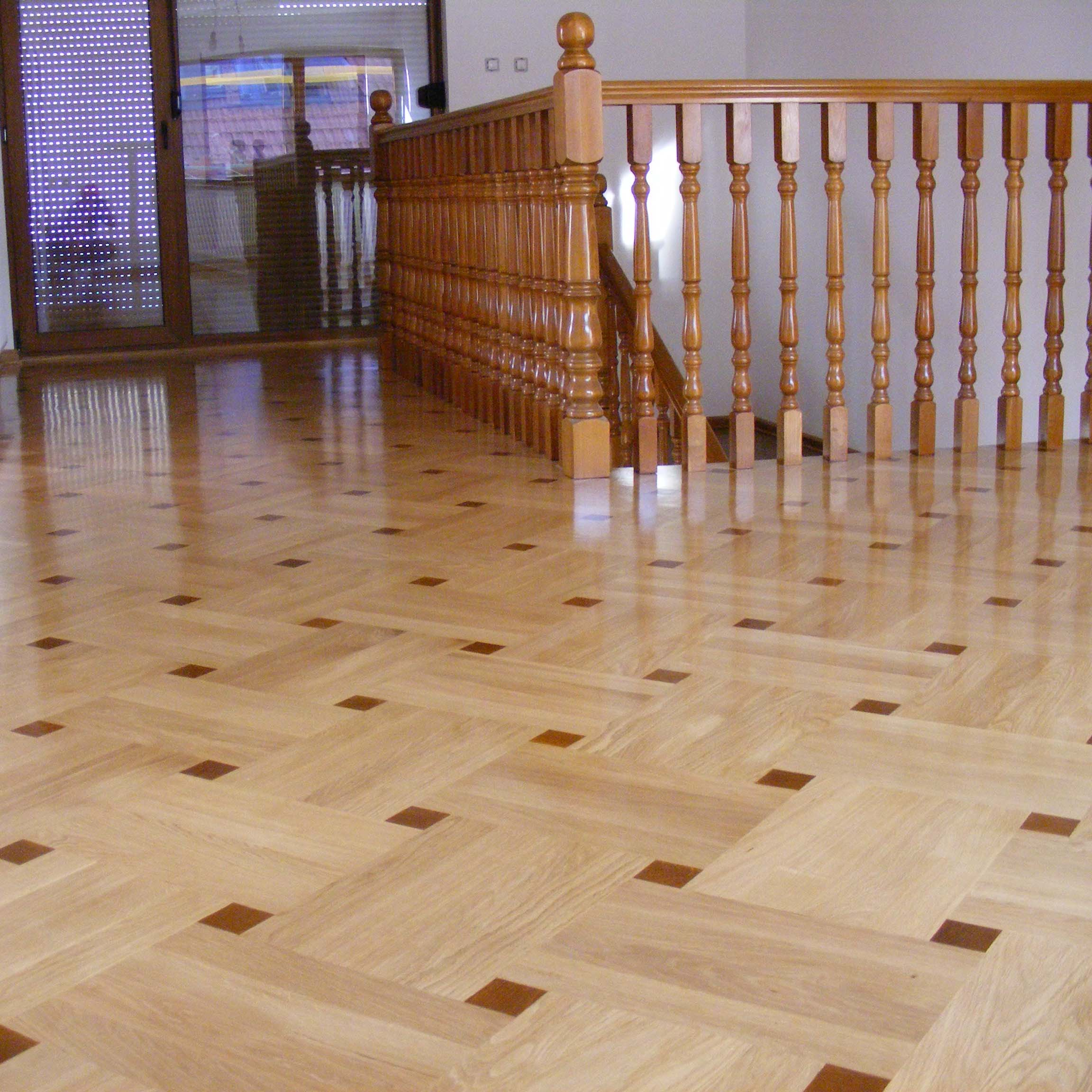 1.Classic oak floor with buttons